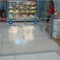 超市入口圆柱带护栏摆闸